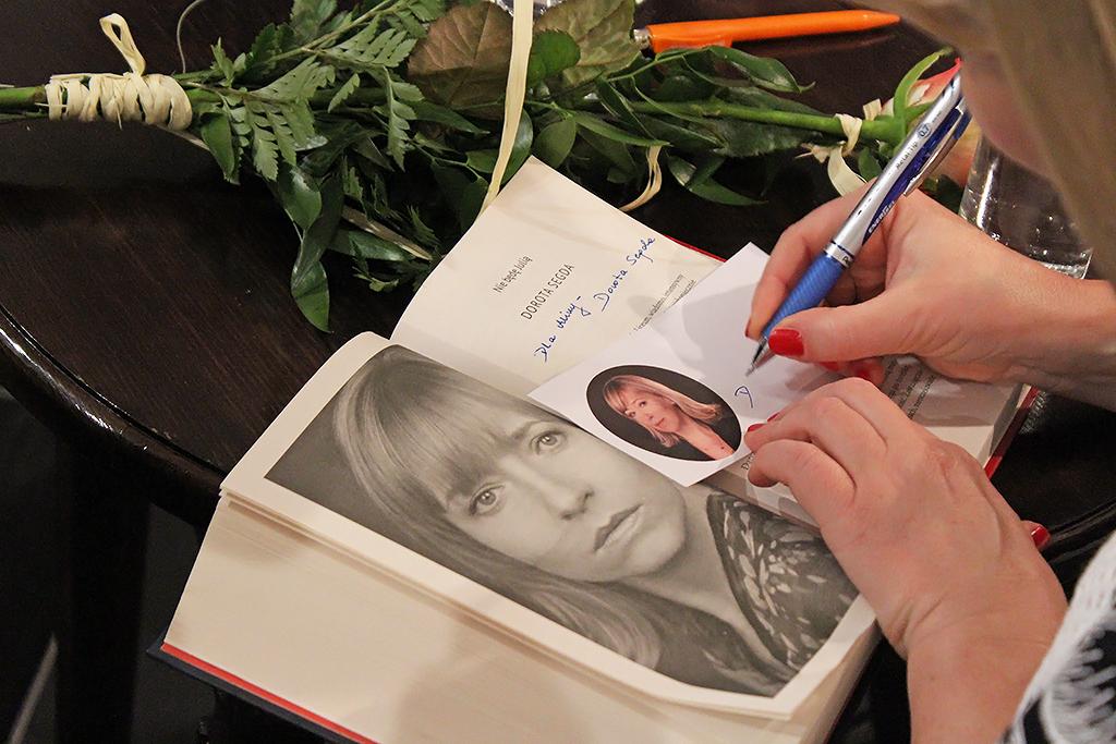 Portret Doroty Segdy Biblioteka Miejska Im Jana